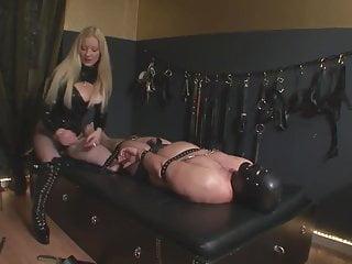 Slave hat Herrin ihr Geburtstag vergessen Teil 2