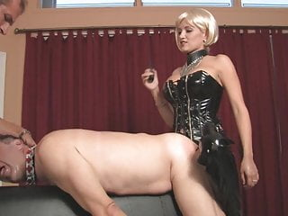 Suck it for hot strapon mistress