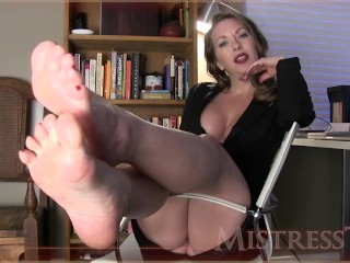 MistressT 窶�Manipulated By Shiny Feet