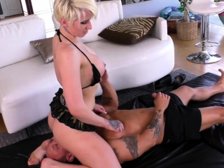 Strapon loving dominatrix fucked in pussy