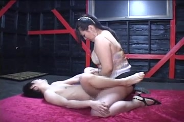 Japanese BBW misstress strapon skinny guy, cockload