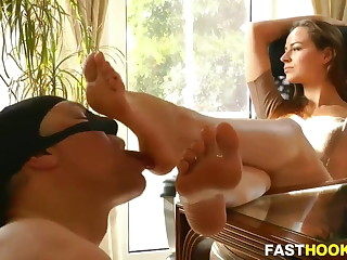 Slave Gets His Toes Sucking & Licking Session From His Beautiful Mistress Boss.