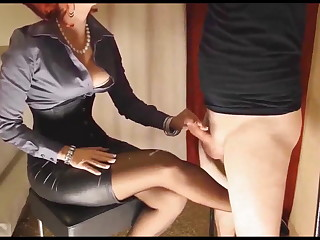 Mistress jerls Slave to Cum